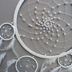 Dreamcatcher white with pearl beads 30cm