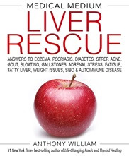 The #1 New York Times best-selling author and beloved healing authority reveals how taking your liver off overload can help resolve a wide range of symptoms and conditions—and transform your health in ways you've never imagined. What if you could focus on one aspect of your well-being to transform all the others—and at the same time prevent health problems you didn't even know were lurking beneath the surface? In today's world, we have no idea how many symptoms, conditions, and diseases are rooted in an overloaded liver. It's not only about liver cancer, cirrhosis, and hepatitis. Nearly every challenge—from pesky general health complaints to digestive issues to emotional struggles to weight gain to high blood pressure to heart problems to brain fog to skin conditions to autoimmune and other chronic illnesses—has an origin in an overloaded liver and can improve when you harness the force of this humble organ. Medical Medium Liver Rescue offers the answers you should have had all along. With his signature compassion, Anthony William, the Medical Medium, shares unparalleled insights into undiscovered functions of our life-saving livers, explains what's behind dozens of health issues that hold us back, and offers detailed guidance on how to move forward so we can live our best lives. Find out for yourself what liver rescue is all about: being clearer-headed, more peaceful, happier, and better able to adapt to our fast-changing times. Learn how to sleep well, balance blood sugar, lower blood pressure, lose weight, and look and feel younger. A healthy liver is the ultimate de-stressor, anti-aging ally, and safeguard against a threatening world—if we give it the right support.