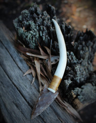 Arrowhead Knife - Bone
