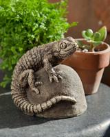 Campania Stone ike lizard statue.