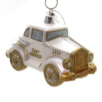 Celebrate with this Just Married Wedding Car ornament! A beautifully detailed old-fashion style wedding limousine in silver with gold accents and drenched in glitter. Makes a great gift for that newly married couple!