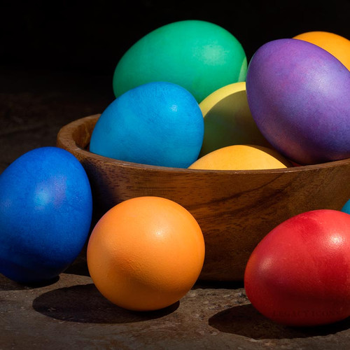 Exact color of dyed eggs varies.