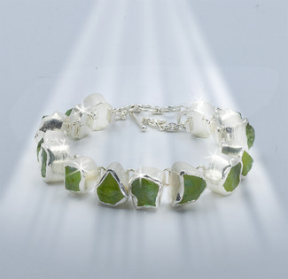 "The ""Money Attractor"" Wealth Bracelet - Abundance gathering Indian green apatite set in solid 925 silver"