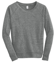 Lazy weekends were made for this pullover that's simultaneously slouchy and snug.  4.13-ounce, 50/38/12 poly/cotton/rayon 50% polyester (6.25% recycled), 38% cotton (6.25% organic), 12% rayon Classic fit: Fits true to size Raglan sleeves Slightly open neckline Rib hems Banded bottom hem