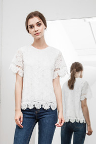 J.O.A Scallop Hem Lace Top
