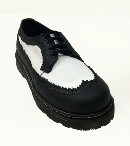 UPIABG - B&W Wingtip Unisex Lace-Up Shoe