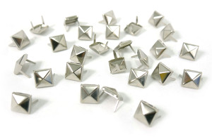 Small Chrome Pyramid Studs 100 pieces