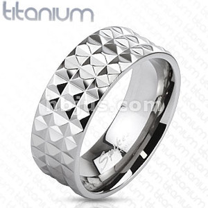 Pyramid Spikes Wide Band Ring
