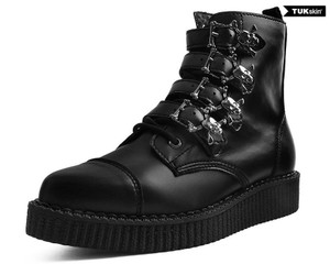 T.U.K. Shoes - A9409 Black TUKskin™ Skull Buckle Pointed Boot