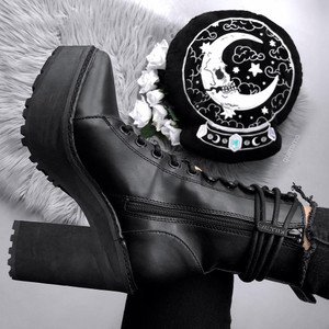 """Salem City Pointed Faux Leather 4"""" Heel Boots"""