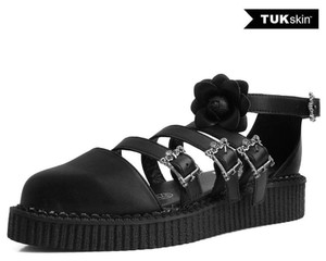 A9591L Black Pointed With Skull Buckles Creepers Sandals
