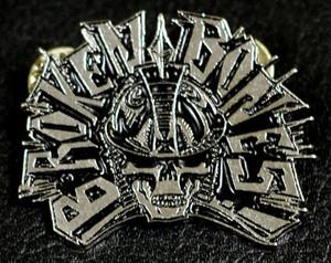 """Broken Bones - Warrior Skull 2"""" Metal Badge Pin"""