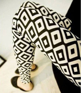 Black and White Square Pattern Leggings