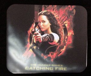 """The Hunger Games Catching Fire 9x7"""" Mousepad *Faulty*"""