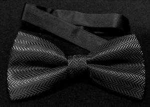 Zigzag Black Patterned Bow Tie
