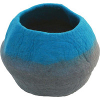 Lollycadoodle Wool Pet Caves in Blue