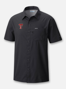 Front Profile Texas Tech Red Raiders Columbia Slack Tide Double T Solid Polo in Black