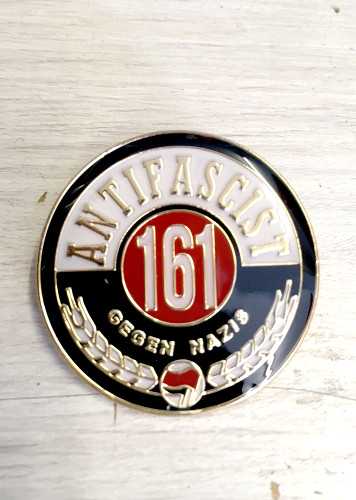 ANTIFASCIST 161 GEGEN NAZIS enamel badge