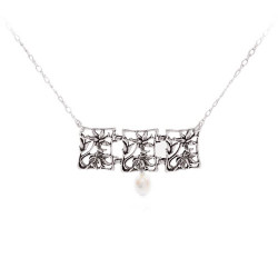 Three Link Hibiscus Framed Necklace with Pearl