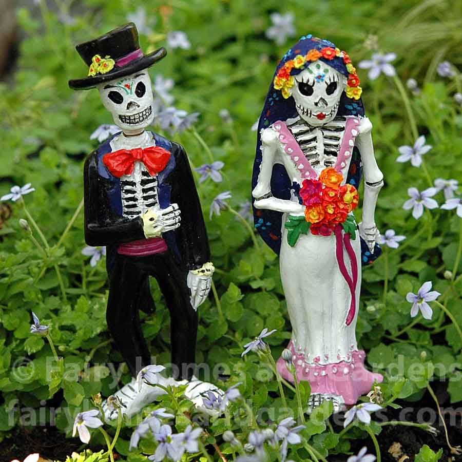 day-of-the-dead-bride-and-groom-front-view.jpg