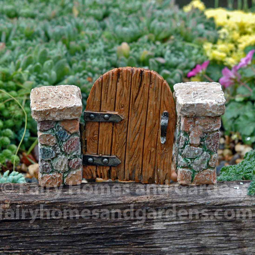 Miniature Hinged Gate and Posts