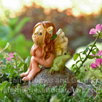 Little Fairy with Tiny Frog