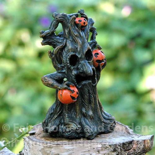 Miniature LED Spooky Tree