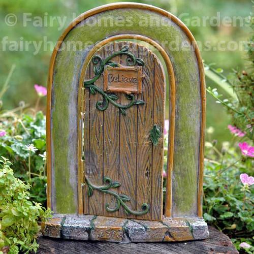 Believe Hinged Fairy Door