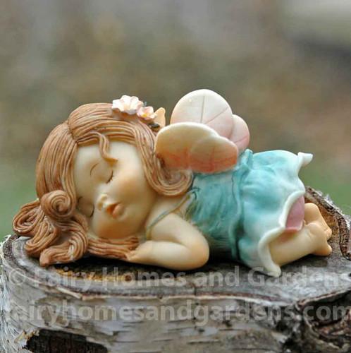 Little Fairy Sleeping