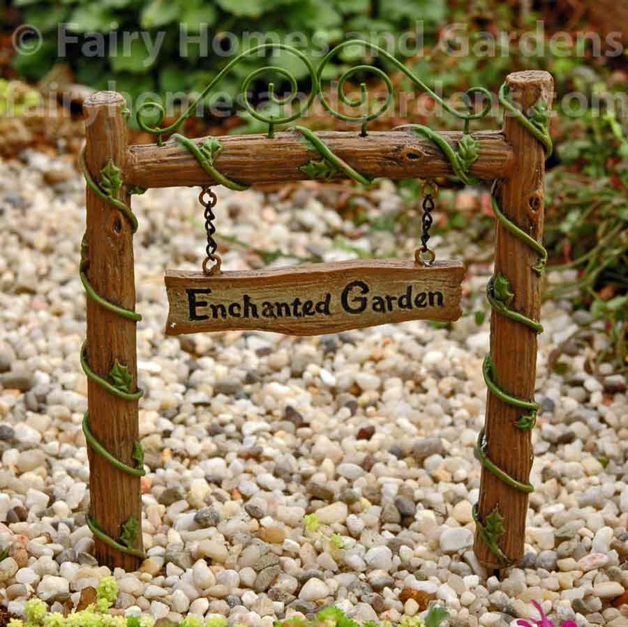 Edible Landscaping And Fairy Gardens: Miniature Fairy Garden Accessories