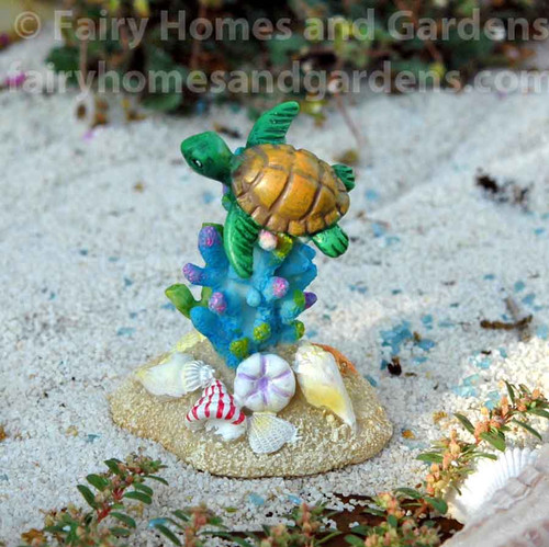 Merriment Coral with Swimming Turtle