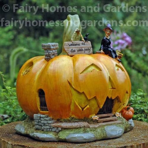 Large Halloween Jack o' Lantern House Side View