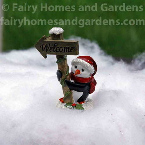 Miniature Holiday Welcome Sign with Penguin