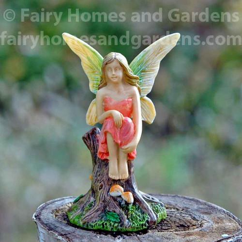 Miniature Woodland Knoll Fairy Reflecting