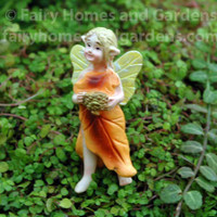 Tiny Oak Fairy - Pin