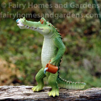 Chompie the Gator Brushes His Teeth Figurine