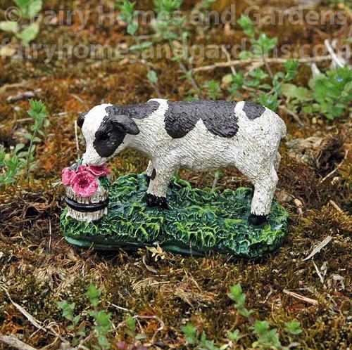 Miniature Calf Figurine 'Gertie'