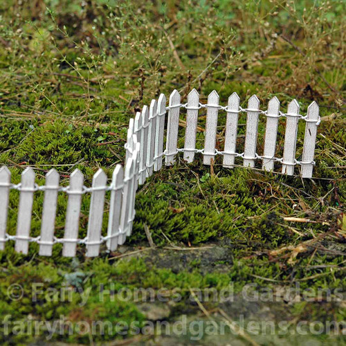 Woodland Knoll Miniature White Picket Fence