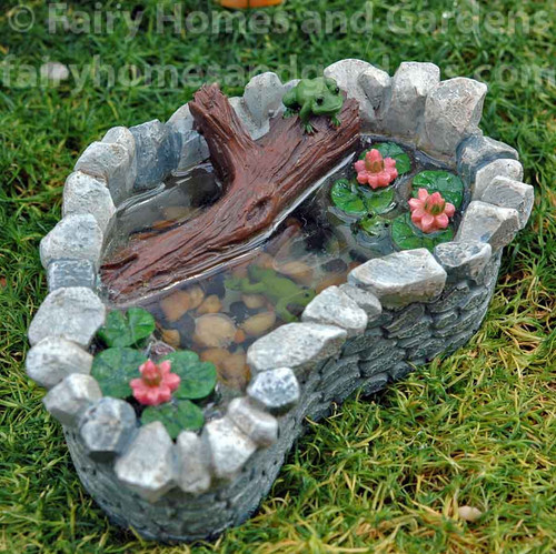 Miniature Frog and Lily Pad Pond