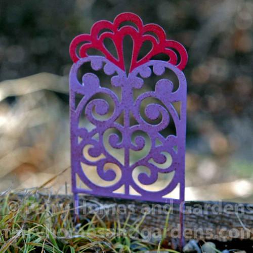Miniature metal filigree trellis