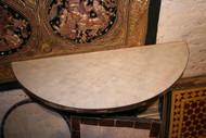 HALF SCALLOPS WHITE TABLE