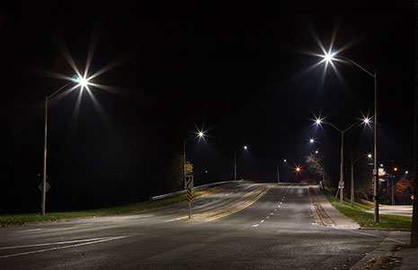 201-90377ge-led-roadway-lighting-town-of-grimsby-465x300.jpg