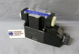 (Qty of 1) Power Valve USA HD-2A2-G03-LW-B-AC115 D05 hydraulic solenoid valve 4 way 2 position single coil 120/60 VOLT AC  Power Valve USA