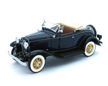 DANBURY MINT 1932 Ford Deluxe Roadster Diecast 1:24 Scale