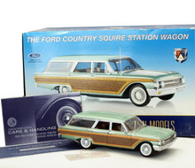 FRANKLIN MINT 1961 Ford Country Squire Station Wagon Diecast 1:24 w/Display