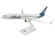 Alaska Airlines  Boeing 737-900 Sky Marks SKR875 Scale 1/130 Model Kit
