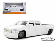 1999 Chevy Chevrolet Silverado Dooley Bigtime Kustoms Diecast 1:24 Scale White 90145
