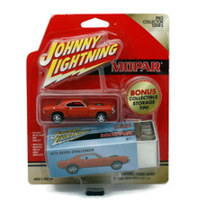 1970 Dodge Challenger JOHNNY LIGHTNING Pro Collector Series Diecast 1:64