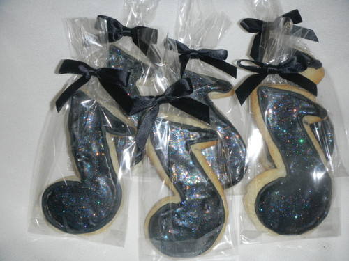 Musical note cookies!  Use as party favors for a musical themed birthday!  These are great for musical rehearsals, school functions, choir fundraisers and so much more!
