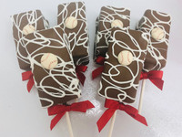 Baseball fanatics will love these baseball fudge brownie pops everywhere.  Send a gift box to someone just in time for game day!  Having a team party with these would be a perfect dessert idea.  Order today!